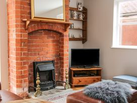Blossom's Cottage - Shropshire - 1070327 - thumbnail photo 3