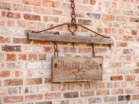 The Old Smithy - Lincolnshire - 1070432 - thumbnail photo 3