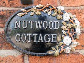 Nutwood Cottage - Peak District - 1070583 - thumbnail photo 3