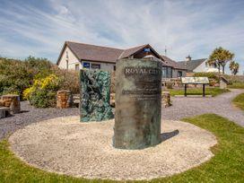 Gwel Yr Afon - Anglesey - 1070639 - thumbnail photo 25