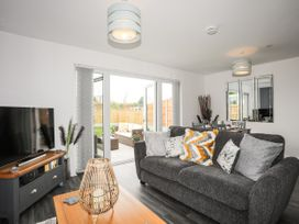 19 Parc Delfryn - Anglesey - 1070787 - thumbnail photo 2