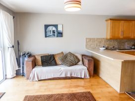 Apartment One - County Wexford - 1070802 - thumbnail photo 3