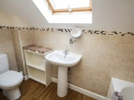16 Cefn Cwmwd Cottages - Anglesey - 1070900 - thumbnail photo 18