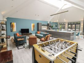 The Pool House - Cotswolds - 1070901 - thumbnail photo 6