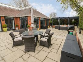 The Pool House - Cotswolds - 1070901 - thumbnail photo 24