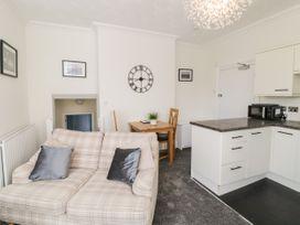 Apartment No6 - North Wales - 1070912 - thumbnail photo 3