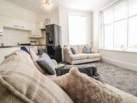Apartment No6 - North Wales - 1070912 - thumbnail photo 4