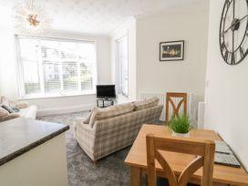 Apartment No6 - North Wales - 1070912 - thumbnail photo 8