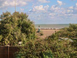5 Sea Way - Kent & Sussex - 1071182 - thumbnail photo 30