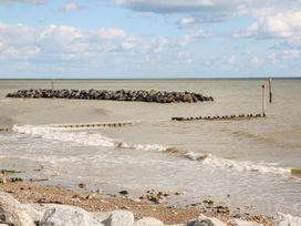 5 Sea Way - Kent & Sussex - 1071182 - thumbnail photo 33