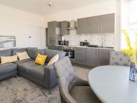 Apartment No5 - North Wales - 1071329 - thumbnail photo 5