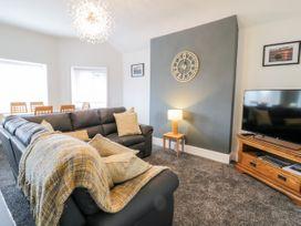 Apartment No5 - North Wales - 1071329 - thumbnail photo 4
