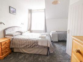 Apartment No5 - North Wales - 1071329 - thumbnail photo 11