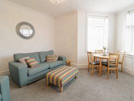 Apartment No4 - North Wales - 1071330 - thumbnail photo 7