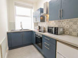 Apartment No4 - North Wales - 1071330 - thumbnail photo 11