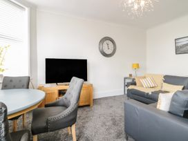 Apartment No3 - North Wales - 1071332 - thumbnail photo 8