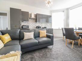Apartment No3 - North Wales - 1071332 - thumbnail photo 9