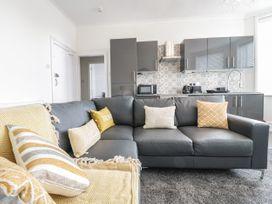 Apartment No3 - North Wales - 1071332 - thumbnail photo 10
