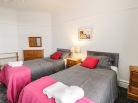 Apartment No3 - North Wales - 1071332 - thumbnail photo 16