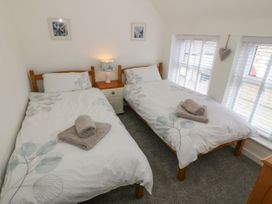 Calmary Cottage - Anglesey - 1071506 - thumbnail photo 12