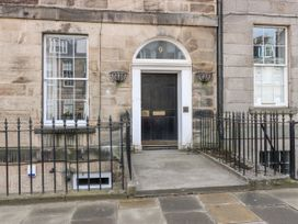 9/2 Albany Street - Scottish Lowlands - 1071615 - thumbnail photo 1