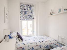 1st Floor Flat at Wylfa - Anglesey - 1071647 - thumbnail photo 14