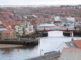 Flat 2 The Old Chapel - Whitby & North Yorkshire - 1071815 - thumbnail photo 22