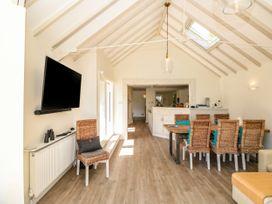 Warfleet Boathouse Cottage - Devon - 1071853 - thumbnail photo 8