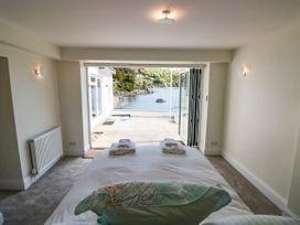 Warfleet Boathouse Cottage - Devon - 1071853 - thumbnail photo 14