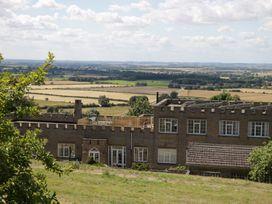 Castle Top Retreat - Lincolnshire - 1071951 - thumbnail photo 2