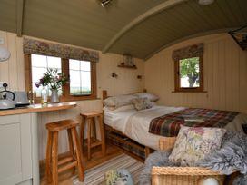 The Shepherd's Hut - South Wales - 1072031 - thumbnail photo 8