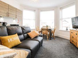 Apartment No2 - North Wales - 1072050 - thumbnail photo 6