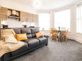 Apartment No2 - North Wales - 1072050 - thumbnail photo 7
