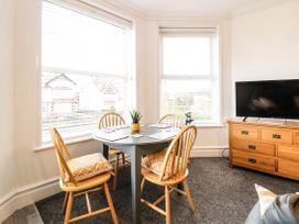 Apartment No2 - North Wales - 1072050 - thumbnail photo 8