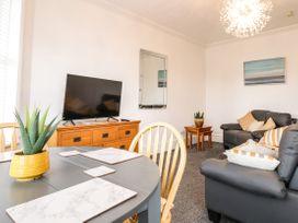 Apartment No2 - North Wales - 1072050 - thumbnail photo 9