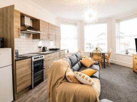 Apartment No2 - North Wales - 1072050 - thumbnail photo 11