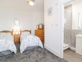 Apartment No2 - North Wales - 1072050 - thumbnail photo 14
