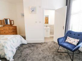 Apartment No2 - North Wales - 1072050 - thumbnail photo 15