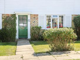 The Green Cottage - Kent & Sussex - 1072079 - thumbnail photo 2