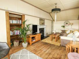 Upper Butchers Cottage - Dorset - 1072388 - thumbnail photo 4