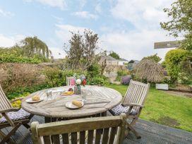 Upper Butchers Cottage - Dorset - 1072388 - thumbnail photo 16