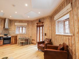 The Hen House - Scottish Highlands - 1072444 - thumbnail photo 3
