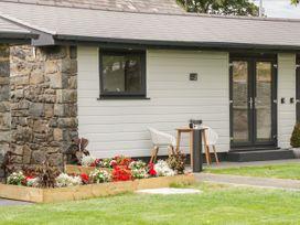 Lodge 6 - North Wales - 1073106 - thumbnail photo 2