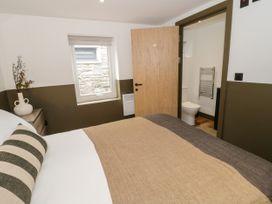 Lodge 7 - North Wales - 1073107 - thumbnail photo 11