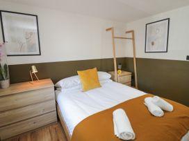 Lodge 12 - North Wales - 1073112 - thumbnail photo 12