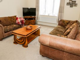 16 Bronwen Avenue - North Wales - 1073249 - thumbnail photo 4