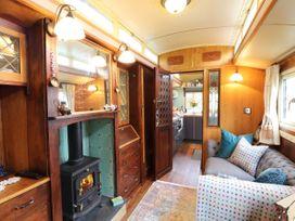 Dolly the Circus Wagon - Mid Wales - 1073267 - thumbnail photo 2