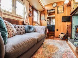 Dolly the Circus Wagon - Mid Wales - 1073267 - thumbnail photo 4