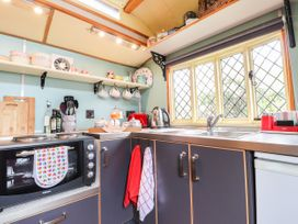 Dolly the Circus Wagon - Mid Wales - 1073267 - thumbnail photo 8