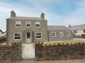 Glasfryn - Anglesey - 1073294 - thumbnail photo 1